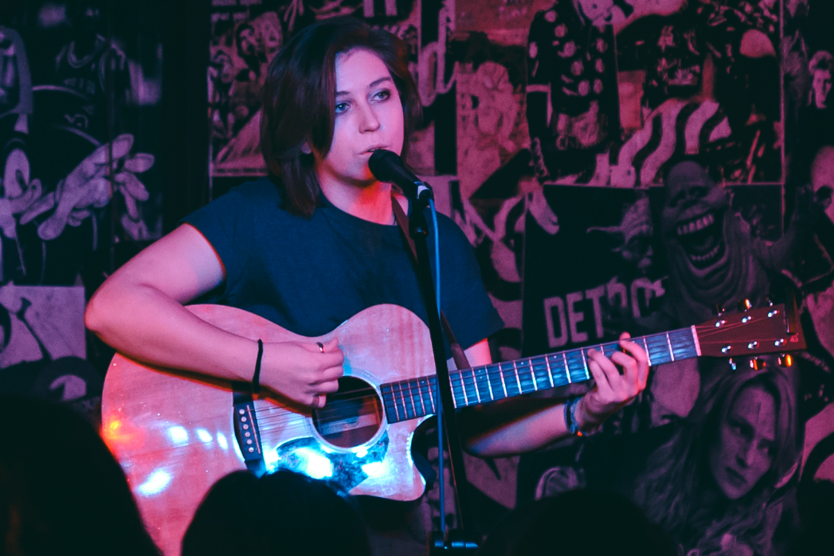 Live Acoustic Music, Holly Rees, Live music in Sunderland, Live music in newcastle